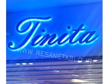 حروف فلزی لاتین تینیتا